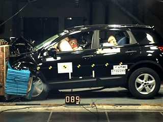Краш-тест Nissan Qashqai 2007 - 2010: рейтинг, фото и видео краш-теста — Бибипедия