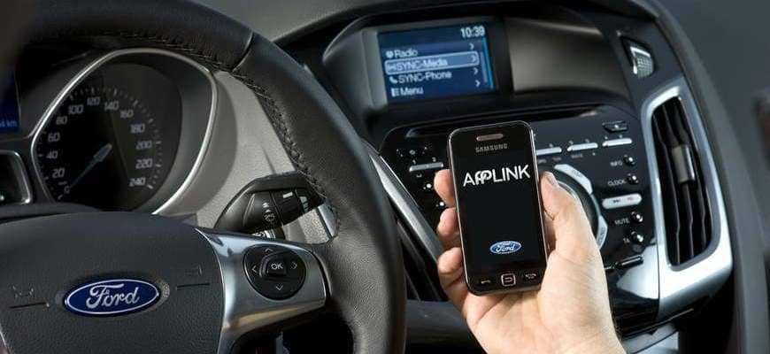 Как подключить телефон к магнитоле: смартфон к автомагнитоле в машине через USB-кабель, включить музыку чтобы слушать, почему не видит айфон через AUX, как воспроизвести, не работает Bluetooth-модуль на китайской андроид, передать, управление, не подключается к старой штатной, можно ли заряжать мобильный через прикуриватель, прослушать радио, блютуз гарнитура для автомобиля громкая связь, AV вход